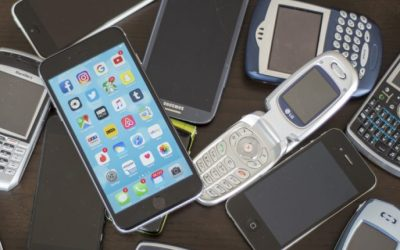 How to Recycle Old Cell Phones and Why Your Small Business Should